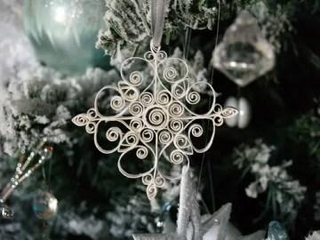 Diy-quilled-paper-snowflake