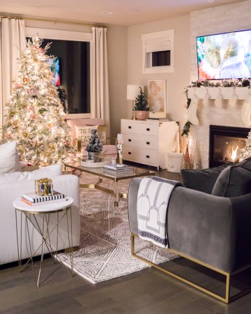 Justatinabit-pink-gold-white-christmas-decorations-2019-home-tour-flocked-christmas-tree-seattle-home-blogger-11-1