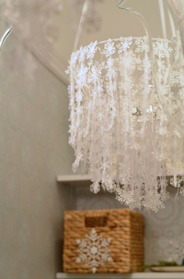 Snowflake-chandelier_edited
