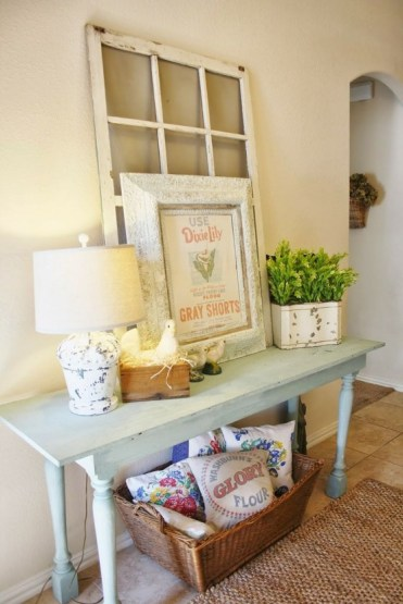 1-cozy-and-simple-farmhouse-entryway-decor-ideas-9-554x831-1