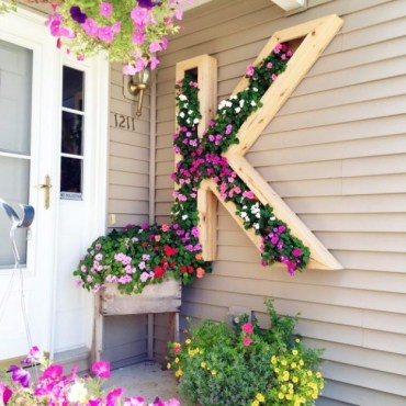 15-outstanding-diy-ideas-to-decorate-your-porch-in-country-style-1