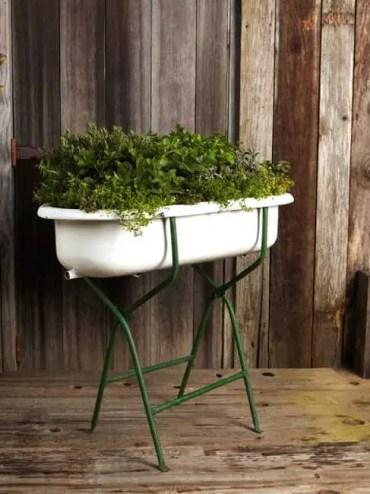 2 modern-planters-spring-decorating-plants-flowers-4