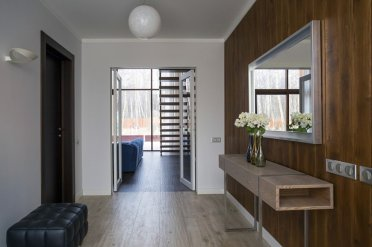 293-m2architecturalgroup-modernforest-foyer1