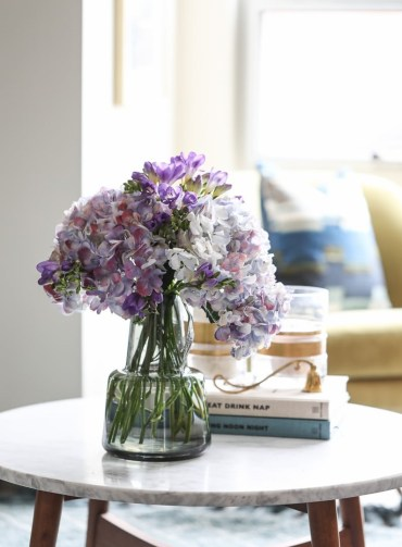 3 hydrangeas-modern-flower-arrangement