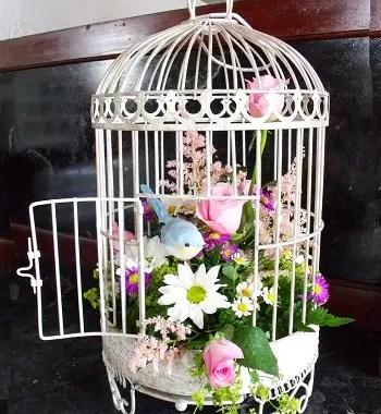 Birdcage floral decoration