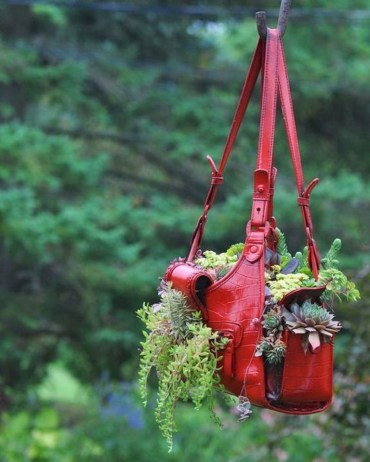 Diy-spring-decoration-ideas-for-your-yard-and-garden-48