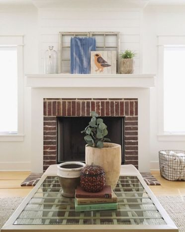 Farmhouse-fireplace-mantel-decor-1