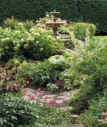 Pretty pink garden for an easy and elegant garden color theme 2