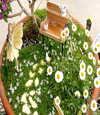 Spring time blossoms garden Ultra-Gorgeous Miniature Fairy Garden Design That Is Trendy For Backyards And Anywhere