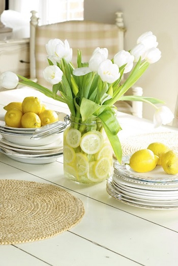 Ultra-fresh citrus slices and tulips Bring Your Spring Vibe More For Home Decoration With The Beauty Of Tulips