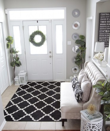 Entryway-bench-idea