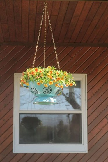 S-check-out-these-adorable-container-garden-ideas-to-copy-this-spring (2)