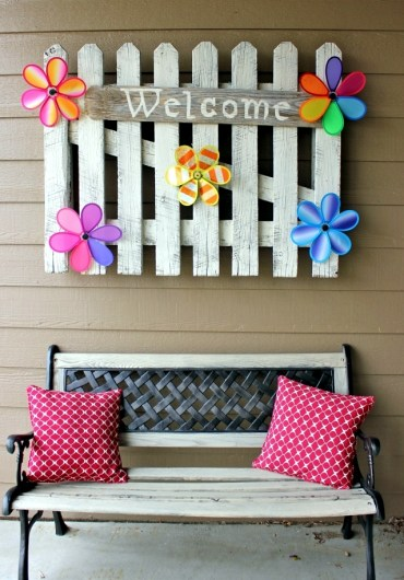 Spring-decorating-ideas-beautiful-arrangements-for-the-panel-and-the-door-0-263