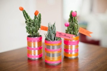 Tin-can-crafts-ideas-living-room-centerpiece-flower-vases-decoration