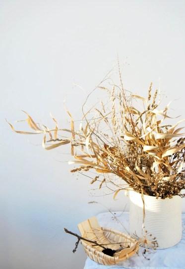 1-dried-seed-pods-basket-floral-arrangements-chelsea-fuss-1466x2145-1