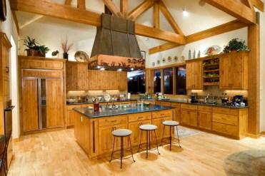 1587677748_463_wood-tones-in-kitchen-design-ideas