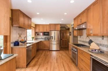 1587677751_131_wood-tones-in-kitchen-design-ideas