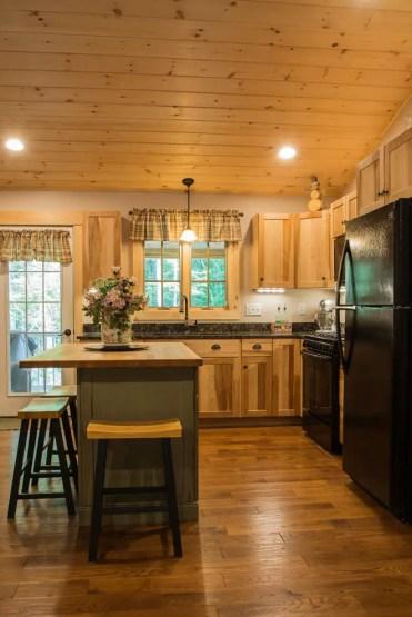 1587677751_69_wood-tones-in-kitchen-design-ideas