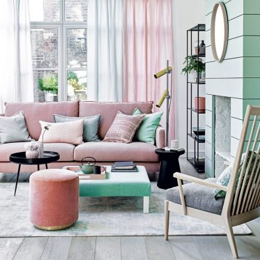3-ideal-home-pastel-living-room-polly-wreford-920x920-1