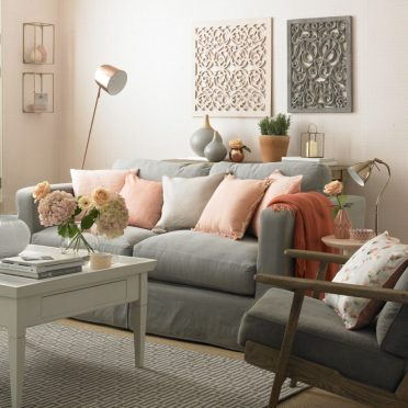 3-peach-and-grey-living-room-colour-schemes-920x920-1
