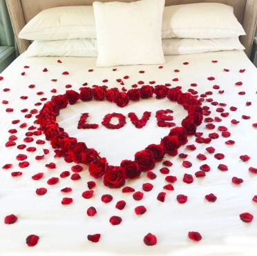 4-valentine-bedroom-decoration10-1024x1024-1
