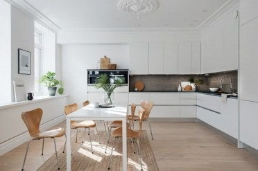 6-white-color-dining-table-idea