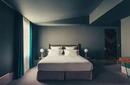 Art deco bedroom in blue