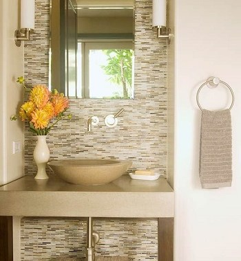 Choose neutral palette 5 Ultimate Essentials To Present Appropriate Minimalist Bathroom