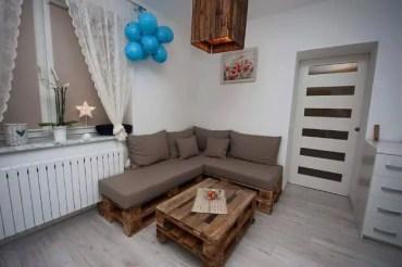 Diy-pallet-upholstered-sectional-sofa-2