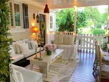 Farmhouse-style-porch-decorating-ideas-16-1-kindesign
