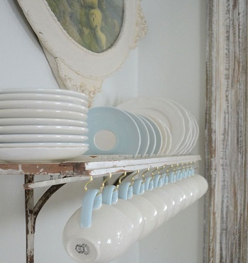 Shutter plate rack Uncomplicated Plate Racks Ideas To Stack Your Plates