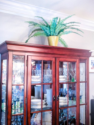 The-art-of-decorating-with-artificial-plants-easy-carfree-decor-ideas-13-2