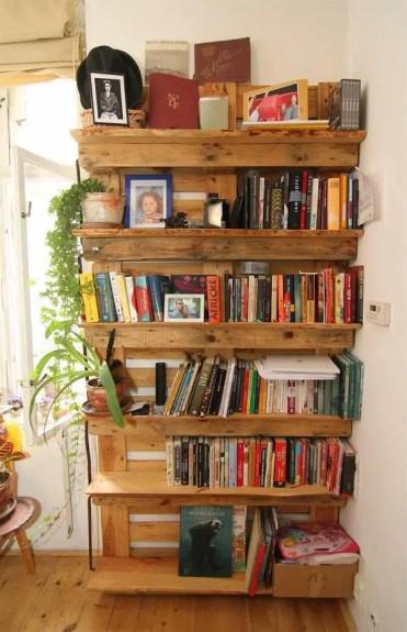 How-to-make-pallet-bookshelf-diy-pallet-wood-furniture-ideas