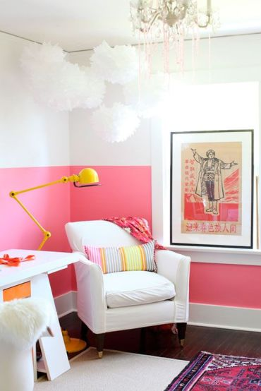 1-07-a-girlish-home-office-will-look-bolder-and-cooler-if-you-go-for-a-color-blocked-wall