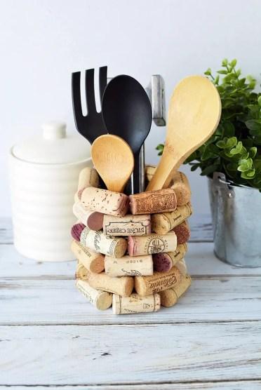 1-cork-wine-utensil-holder