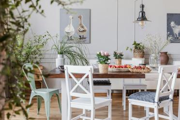 1-cottage-style-dining-room-january52020-3-min