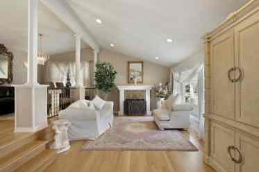 1-cottage-style-living-room-oct152019-14-min