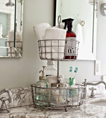 2-organize-with-wire-baskets-in-bathroom-500x638-1