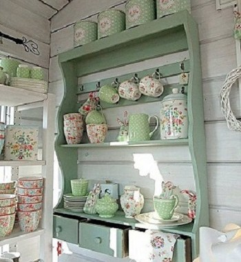 Gorgeous Blue Color Plate Racks Ideas That Give You A Calming And Noble Feeling