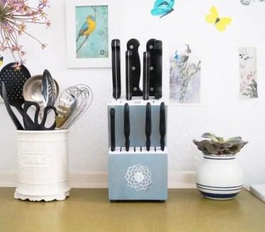 Diy-comfortable-and-functional-knife-blocks-6-775x677-1