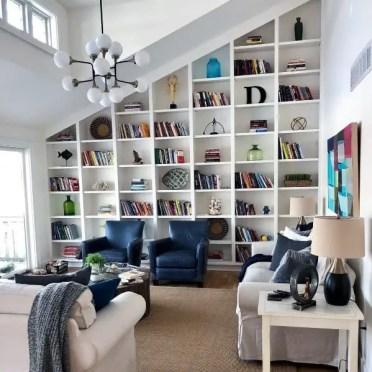 Idee-libreria-da-incasso-pavimento-soffitto-angolate-per-soggiorno
