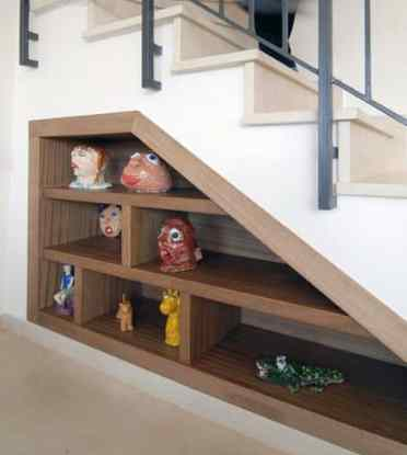 Good-ideas-for-under-stairs-wood-bookcase-built-in