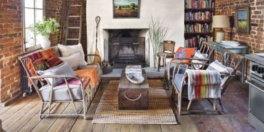 Landscape-history-in-the-making-living-room-0317-1