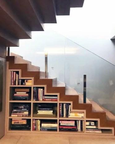 Luxury-under-stairs-ideas-bookcase