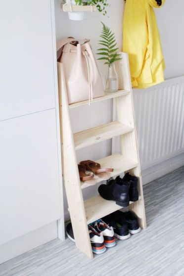 04-a-modern-comfy-ladder-shelf-for-shoe-storage-in-the-entryway