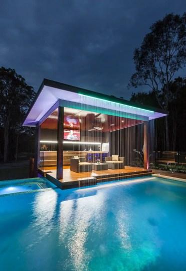 1-11-neon-rivestito-piscina-patio-homebnc