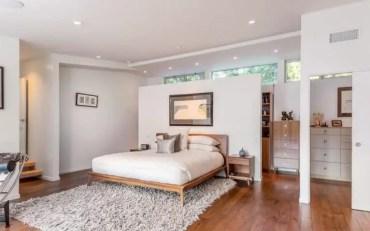 1-kristen-wiig-mansion-bedroom-hardwood-floor-light