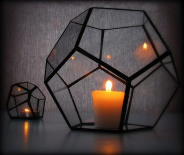 16-perfect-geometric-light-designs-to-decorate-your-home-with-3-768x649-1