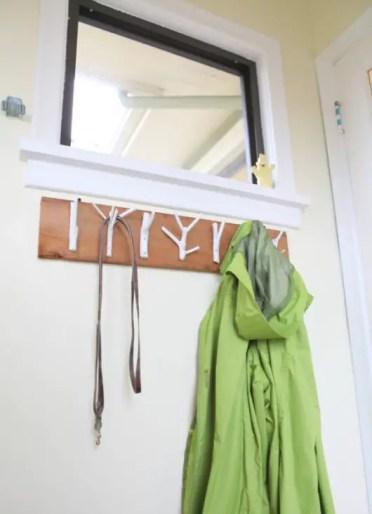 2-natural-branch-coat-rack-project-8-533x800-1