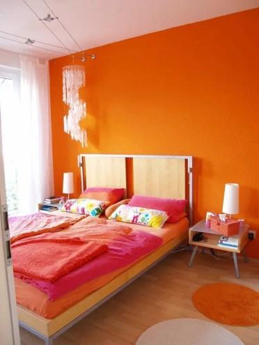 2-bedroom-analogous-color-scheme-ideas-red-orange
